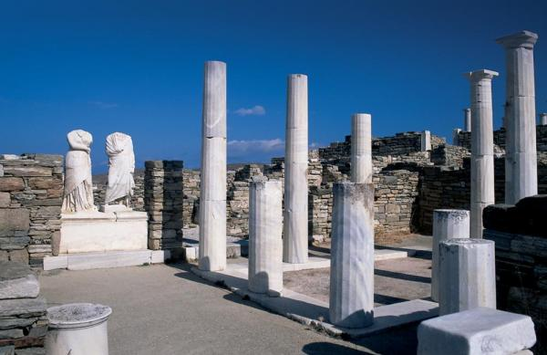 Columns found at Delos
