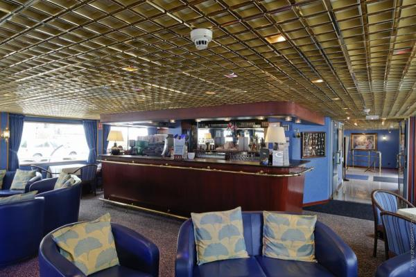 Ms renoir cruises in france 39 s seine valley - Bar a chat rouen ...