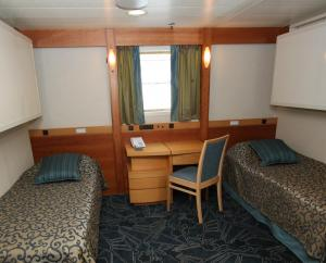 Upper Deck Cabin (cropped)