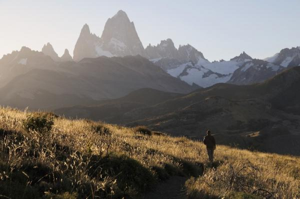 Hiking toward the Fitz Roy Range