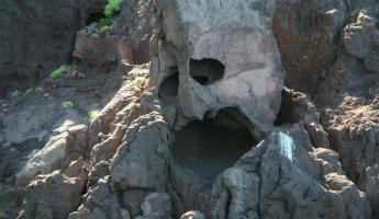 Face in the rocks on Espiritu Santo