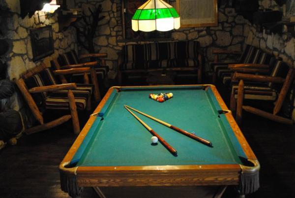 The billiards room at the Best Western Creel