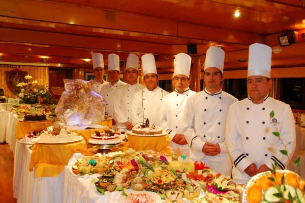The expert chefs on board the Skorpios II
