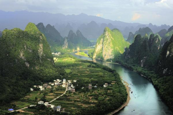 Li river and hills in the sun, Yangshuo
