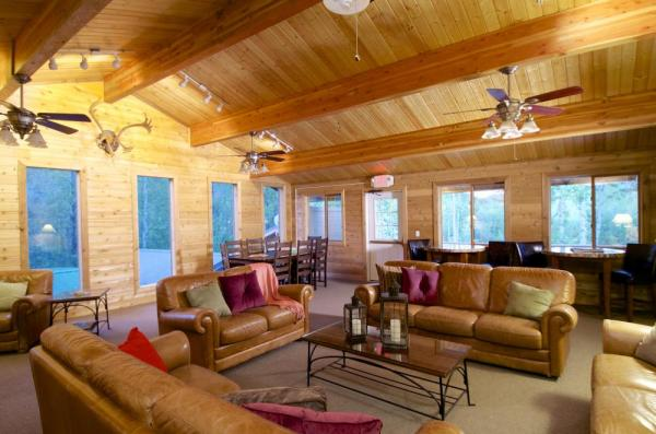 The lounge at Denali Backcountry Lodge
