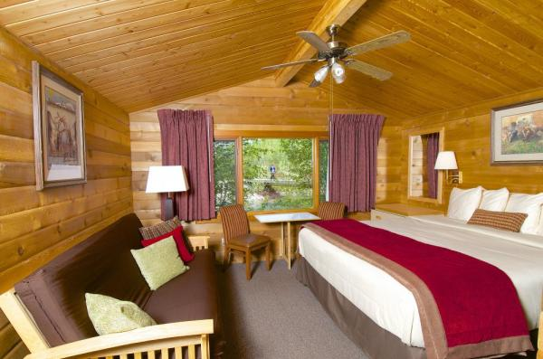 Family cabin at Denali Backcountry Lodge