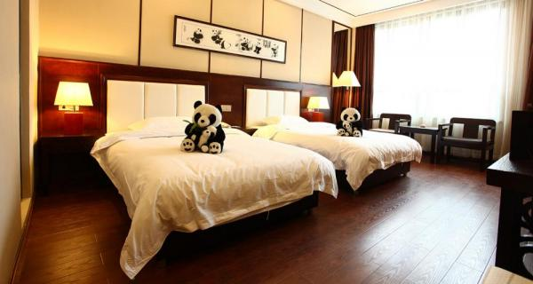 Double room - pandas with cubs