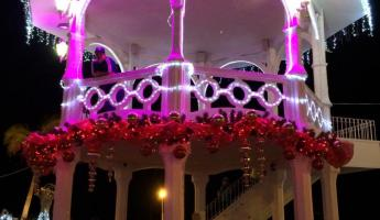 Christmas decorations in La Paz