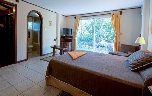 A standard room at Semilla Verde Lodge and Spa