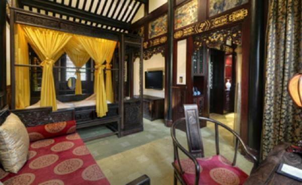 Luxurious Accommodations for the Traveler to the Chengdu Club