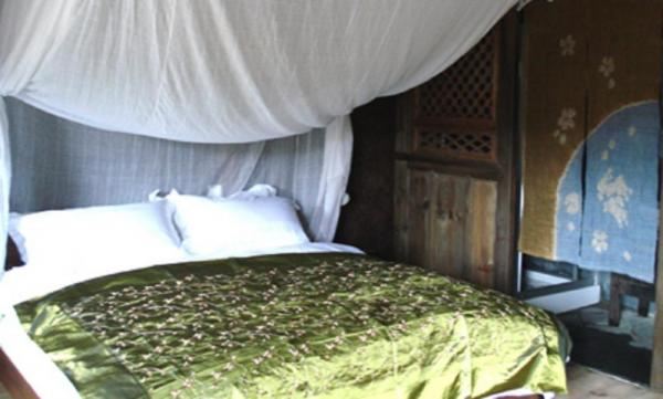 A Deluxe Room, with a private bathroom