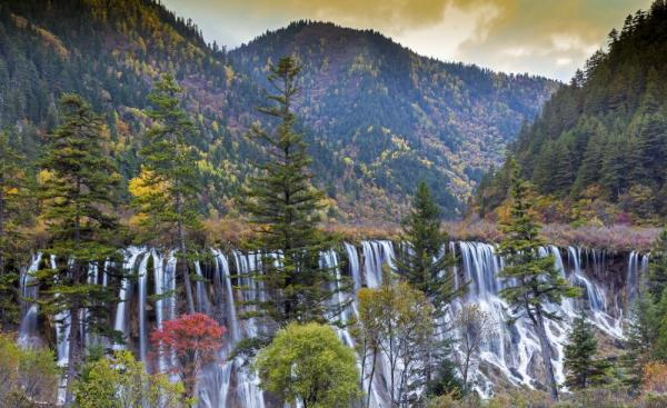 Beautiful Waterfall in Jiuzhaigou National Park, Sichuan