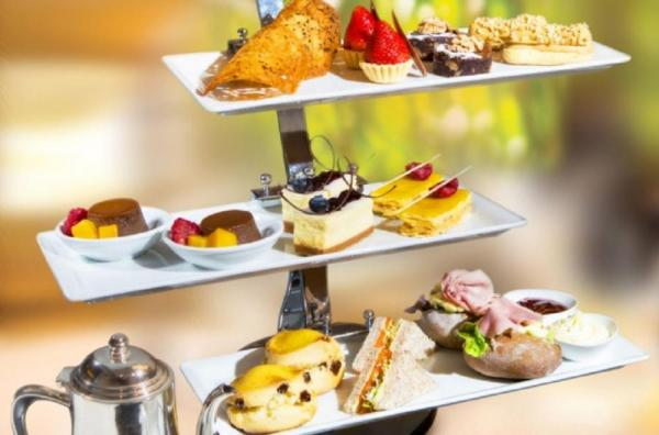 Enjoy fine desserts and English teas at the Regal Hong Kong