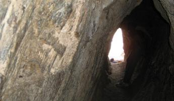 A tunnel through Pisac