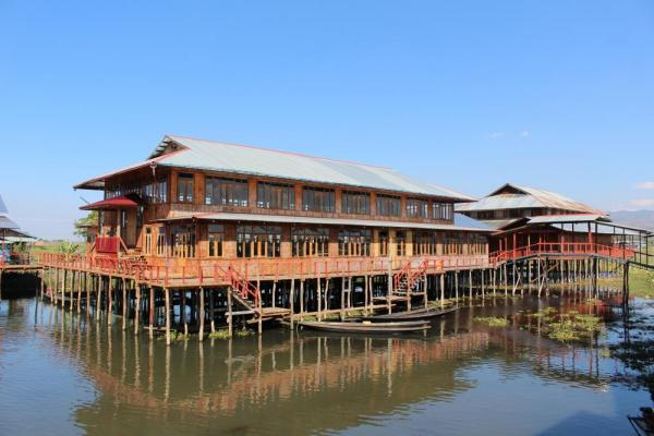 Building over water in Myanmar