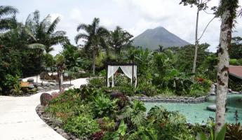 The grounds of Arenal Springs