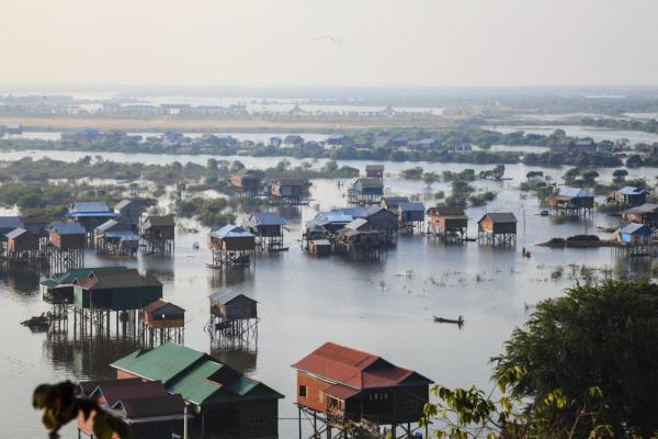 Houses of Tonle Sap
