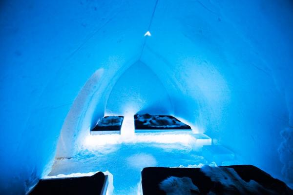 Arctic Snow Hotel and Glass Igloo