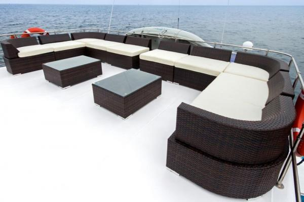 Relax on the deck of the Nemo I