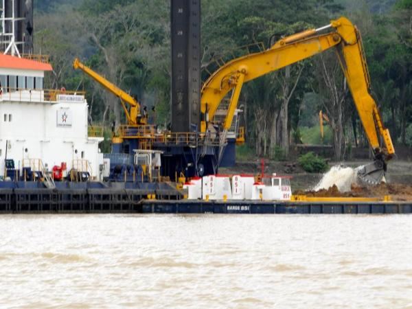 Dredging the Panama Canal