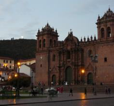 Cathedral in Cusco at dusk