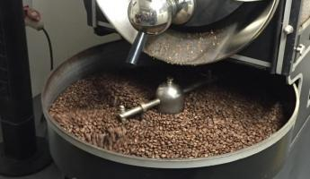 Roasting fresh coffee