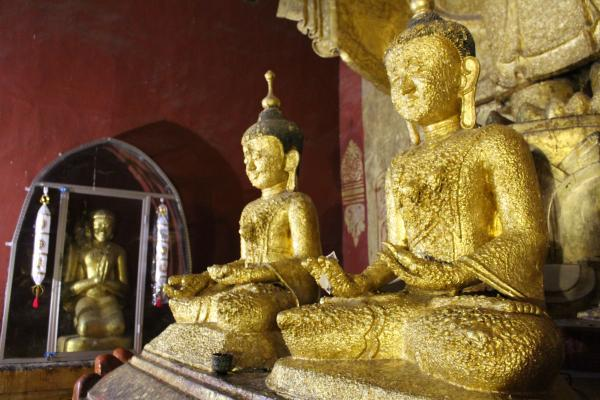 Golden Buddahs in Bagan