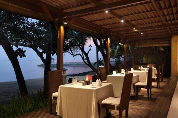 Dining Room overlooking Sanur Beach