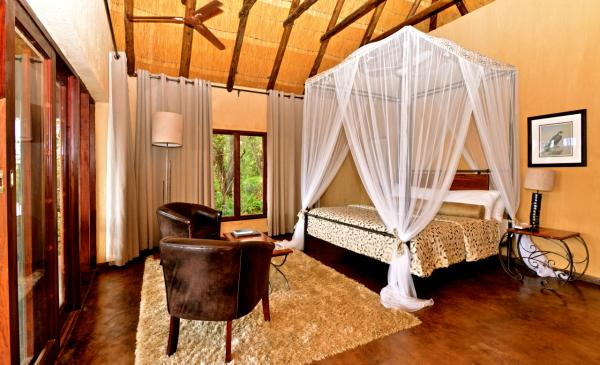 King Bed Suite at Gorges Lodge