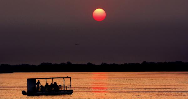 Gorges Lodge sunset cruise on the Zambezi