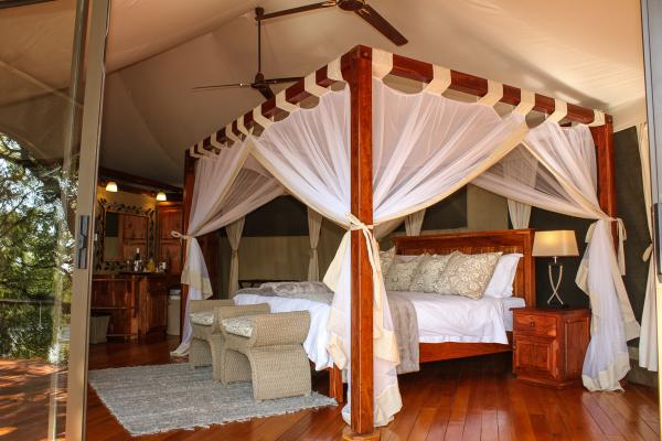 Honeymoon Suite at Zambezi Sands