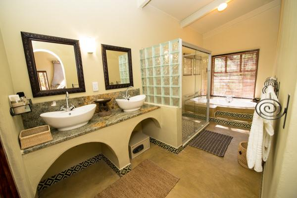 Forest Villa Bathroom at Camelthorn