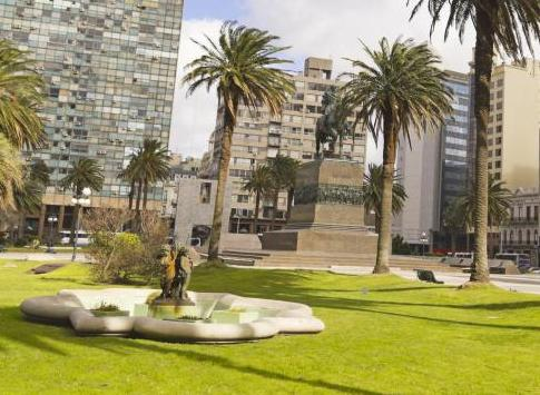Buildings and green space of Independence Square, Montevideo