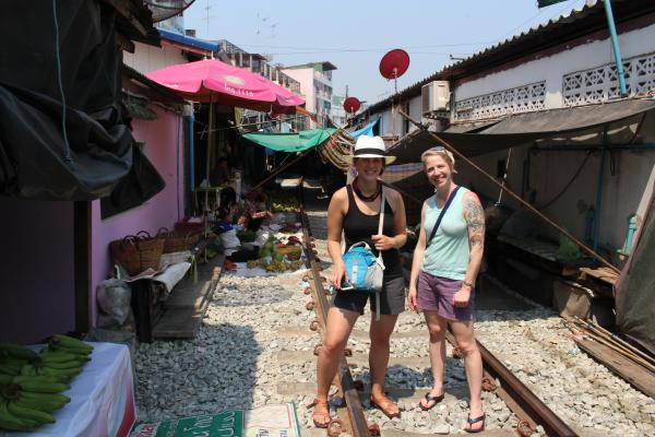 Laura and Shanna at the Samut Songkram Market